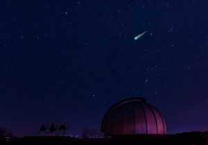 Fotomontage: Komet Ison über der Sternwarte Limburg