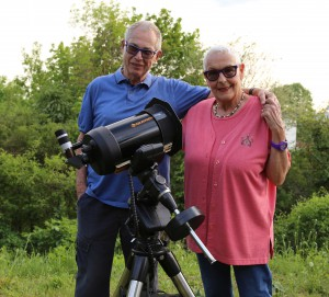 Familie Brinkmann bei der Übergabe des neuen Sternwarten Teleskopes!